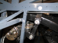 Subframe and diff in vehicle